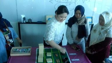 Belajar Montessori di rumah bersama Montessori Haus Asia