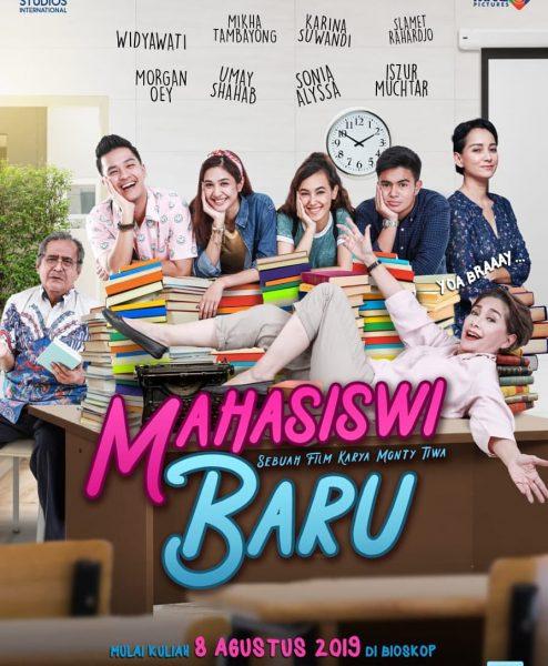 Beberapa kali Saya melihat promo film Indonesia gres Makara Mahasiswi Baru di Usia 70, Siapa Takut?