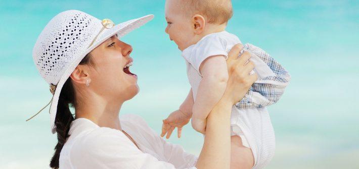 Tips merawat kulit lembut bayi